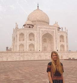 Visiting one of the 7 world wonders and watching a Hindu cremation